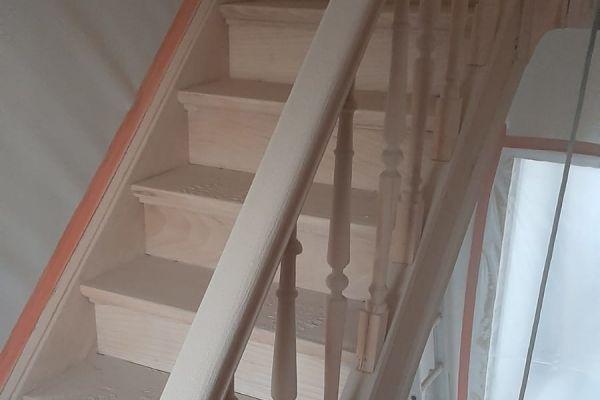 jb-zandstralen-houten-trap3461C5CA2-E749-4080-7FB5-3954D66F7099.jpg