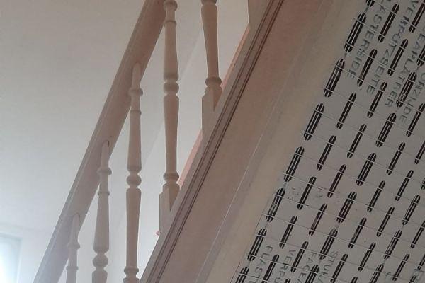 jb-zandstralen-houten-trap77CD0DAF6-FFE4-7345-C841-B326B4472F2E.jpg